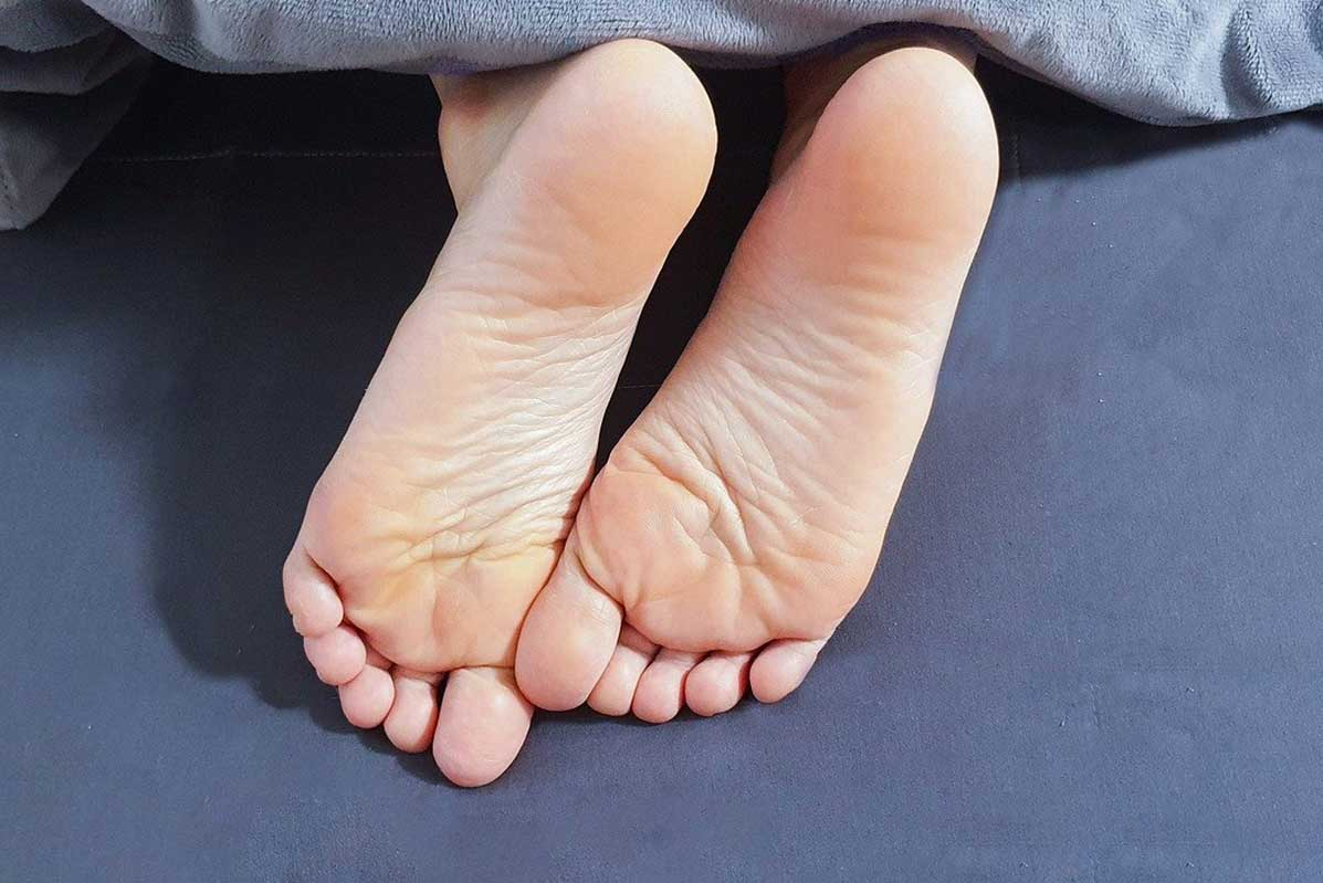 Forms of Alternative Therapy and Medicine Thai-foot-massage-1